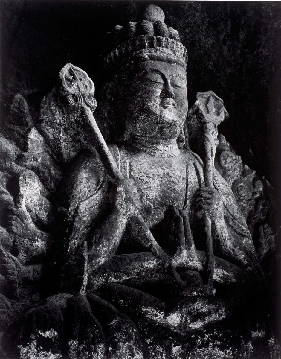 《臼杵大仏(大分)》1977年頃 ©高知県, 石元泰博フォトセンター